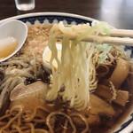 揚次 - 中華そば(720円)、麺リフト