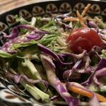 BAIDAM - サラダも美味しい。