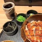Unagiyondaimekikukawa - 薬味とか。