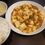 天福分 - 麻婆豆腐定食850円 麻婆豆腐意外に山椒が効いてて美味しいのですが、お店の雰囲気が私には合わず、すぐに退散してしまいました。