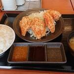 からやま - 料理写真:【からやま定食(梅)】¥690+税(※味噌汁と3種類のたれが付きます)そして更に、ご飯大盛り無料!