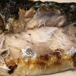北陸 集らく - 鯖の塩焼き アップ