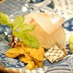 味享 - 明石の鯛と福岡県相島の赤雲丹のお造り