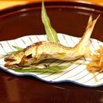 味享 - 高知県仁淀川の鮎の塩焼き 独活のきんぴら添え