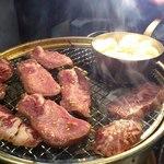 横浜苑 - 豪快に焼き上げました。