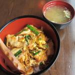 amber - 豚キムチ丼 500円