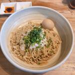 梨の花 - 牡蠣醤油まぜそば 麺1玉半790円 別皿トッピング30円