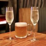 イタリア食堂MARU。 - 樽生スパークリングと生ビール
