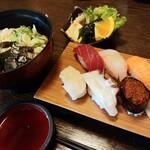 浜栄 - 料理写真:セット商品(にぎり寿司6カン・冷やしうどん) 900円