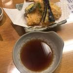 赤坂見附長寿庵 - 天盛りです。蕎麦屋の天ぷらでした。油ギッシュです、アハッ\(//∇//)\