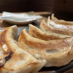 肉汁餃子のダンダダン - 肉汁焼き餃子