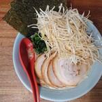 ラーメン 松壱家 - 2020年8月 醤油チャーシュー(並)+白髪ネギ 950+150円