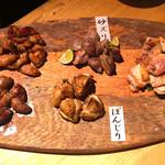 地鶏専門店 彩鶏どり - 焼き盛り2種