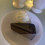 ウィーン菓子 シーゲル - 料理写真:シーゲルのザッハトルテ✨
