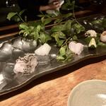 135549550 - ○お造り:石垣鯛、槍烏賊、瘤鯛、真魚鰹、鰆炙り様