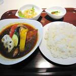 イチロク - チキンベース、ハーフチキンレッグ+野菜