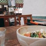 さらさ西陣 - 丼とお店空間。