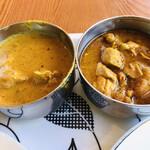 ビスヌ - 左   スープカレー 右   チキンカレー