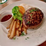 ケゴマチコモン wine&dining - 粗挽きハンバーグ