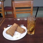 カフェ グッド タイム テラス - シナモントーストとアイスレモンティー