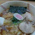 135560547 - ワンタン麺(900円)