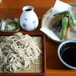 そば園 佐竹 - 旬菜天ざる(1250円)+麺大盛り(250円)