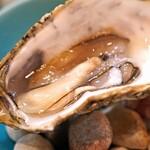 レ・ピコロ - 岩手県広田湾産 生牡蠣 エシャロットヴィネガー