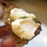 レ・ピコロ - 釧路産マスカルポーネとアカシア蜂蜜 自家製パンで