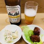 135575312 - ビール&お通し(ポテサラ&肉団子)