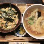 手打ちうどん 初太 - ミニ卵丼と天ぷらうどんのセット