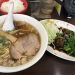 とんちんかん - ラーメン定食(レバニラ)880円
