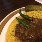 135581784 - 青唐辛子は辛いので潰すだけで食べないように言われますが、辛いもの好きなら食べられますよ。