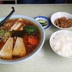 あさの食堂 - 料理写真:醤油ラーメン(600)とライス(150円)