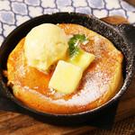 メープルシロップの石窯パンケーキ バニラアイス添え