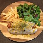 SCHMATZ - ポテト付きシュマッツドッグ