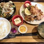 フルカワ食堂 - モツ炒め&唐揚げ定食