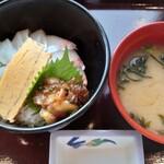 道の駅 上関海峡 - 海峡海鮮丼1,100円