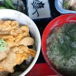 味処 日本海食堂 - 生うに丼 \2,200 うにが甘くておいしかった~♪