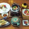 一の屋 - 料理写真:松茸の釜飯と土瓶蒸し