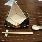 中国料理 「唐宮」  - テーブルセッティング