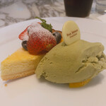 STAR JEWELRY CAFE & Chocolatier - ♦︎レモンチーズタルトとピスタチオ ¥1,100