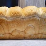 高級食パン専門店 よう治 - 料理写真: