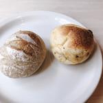 135651547 - ヨーロッパを感じるパン 熱々で美味しい♪