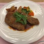 プラザ洞津 - 月替ランチ:牛ロース肉のカツレツ デミグラスソース