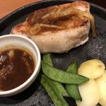 デニーズ - 2020/8/18 ディナーで利用。 低温調理した三元豚ロースのグリル〜バター香るジンジャーソース〜(1,428円)