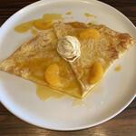 トラントドゥ - 自家製オレンジのクリームチーズ、モンブランクレープ