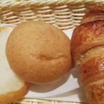 135666926 - トースターがあったので、パンを温めていただきました。