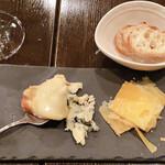 Bar à Vin ムッシュ ヨースケ - 3種のチーズ盛り合わせ