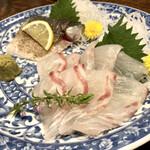 昭和レトロ酒場 倉吉 - ○真鯛&手仕込炙り〆鯖様(各900円)