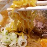 らーめん みかん - 味噌。麺は小林製麺の麺です